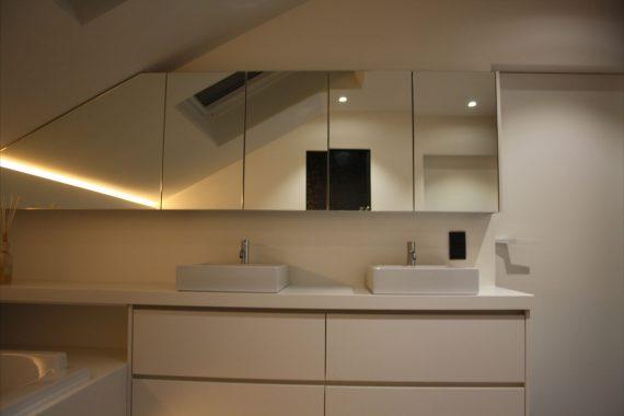 wit interieur voor badkamer in woning in oudsbergen