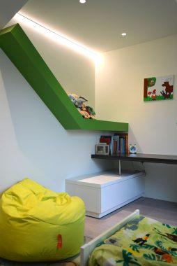 Groen interieur in kinderkamer van woning in Sint-Truiden