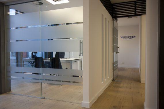 stijlvol design uitzicht kantoorruimte verzekeringskantoor